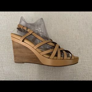 SALE❤️💜COLE HAAN leather wedge sandals
